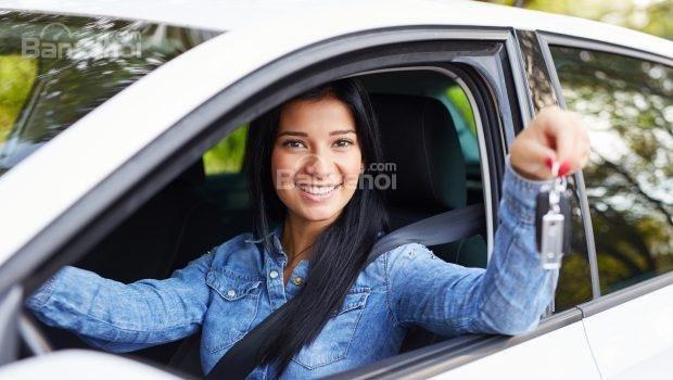 Sử dụng xe hơi đắt tiền với cái giá phải chăng z