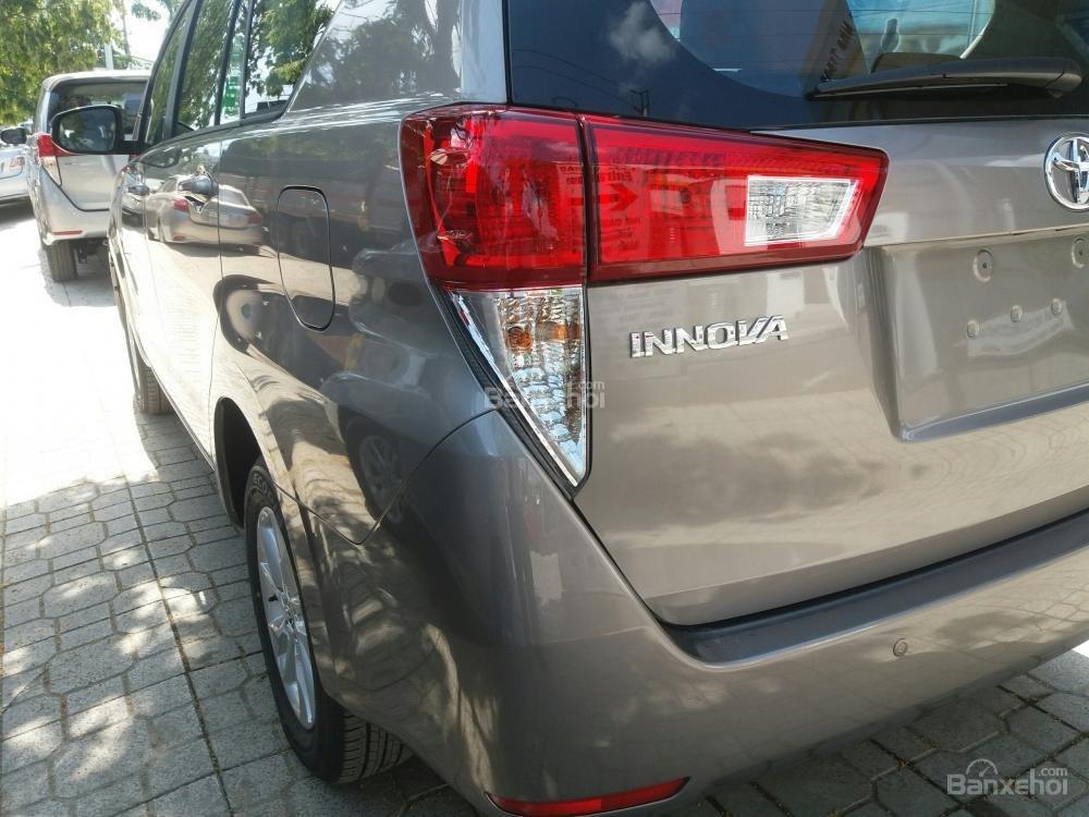 Cần bán xe Toyota Innova MT năm 2019, giá chỉ 771 triệu-4