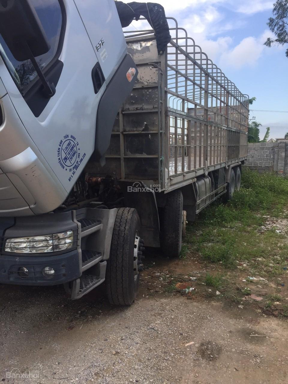 Bán xe tải Chenglong 4 chân đời 2015, màu bạc, nhập khẩu, giá chỉ 780 triệu-2