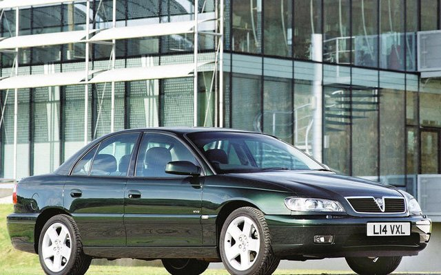 Xe chạy động cơ BMW (1)