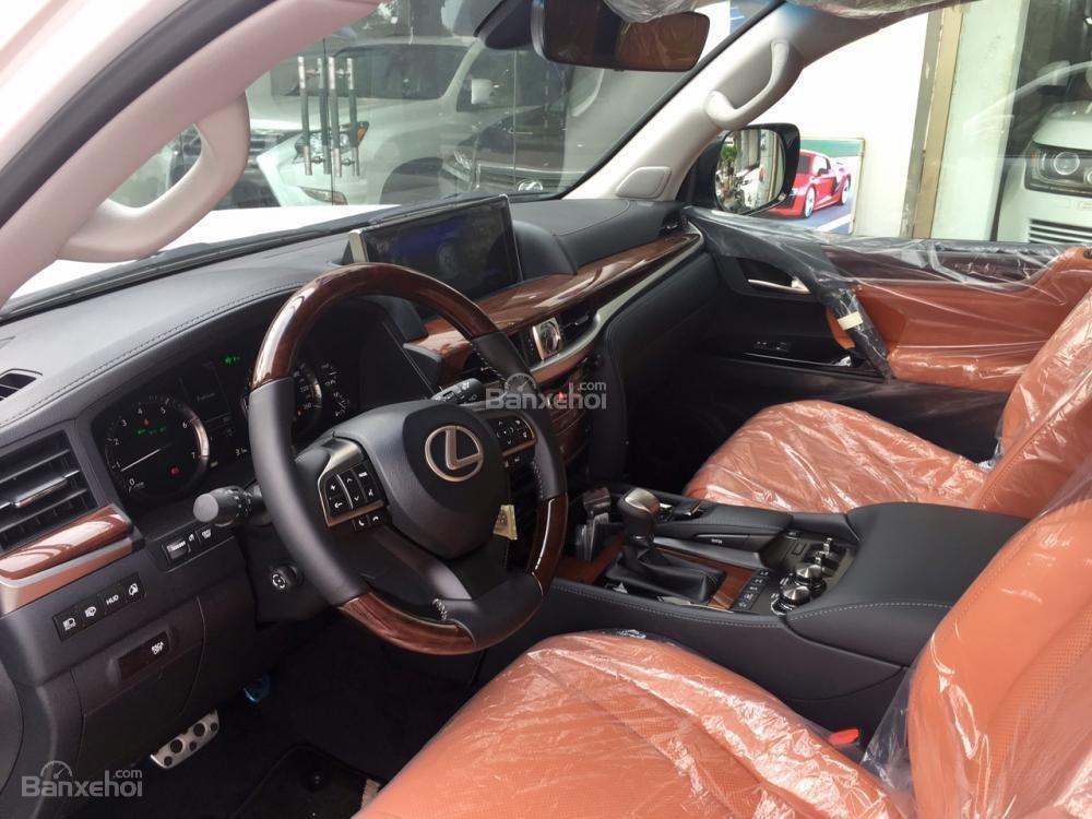Bán xe Lexus LX570S Super Sport đời 2018, màu trắng mới 100% LH: 0982.842838-7