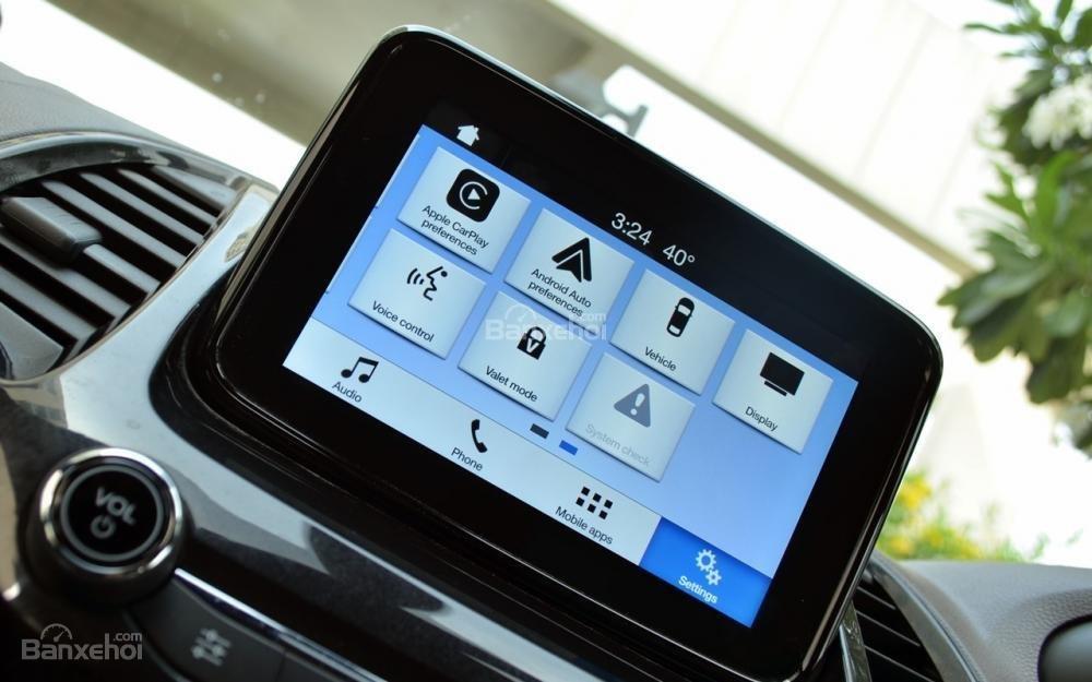 Đánh giá xe Ford Freestyle 2018: Màn hình giải trí cảm ứng nhạy, dễ sử dụng.,