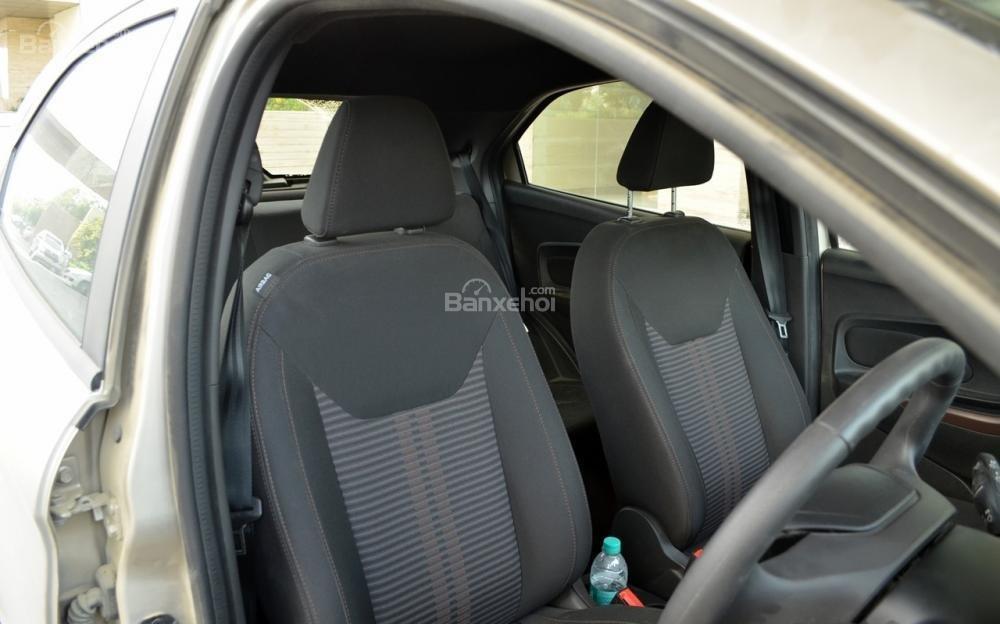 Đánh giá xe Ford Freestyle 2018: Không gian ghế ngồi ở mức chấp nhận được//