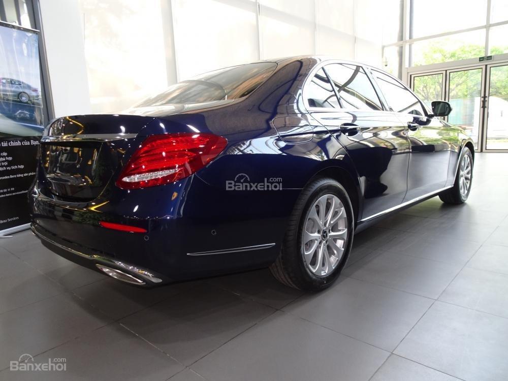 Bán Mercedes-Benz E200 New Model 2020 - KM 50% TTB - Hỗ trợ bank 80% - Ưu đãi tốt trong tháng. LH: 0919 528 520 (4)