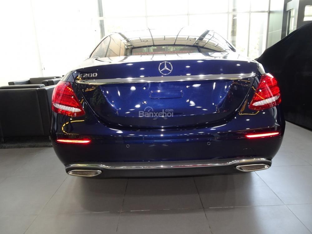 Bán Mercedes-Benz E200 New Model 2020 - KM 50% TTB - Hỗ trợ bank 80% - Ưu đãi tốt trong tháng. LH: 0919 528 520 (6)