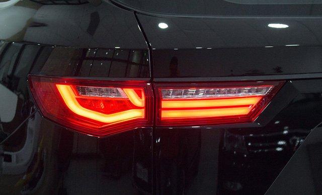 Ảnh chụp đèn hậu xe Zotye Z8 2018