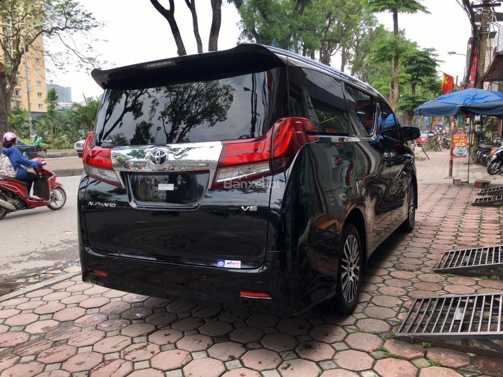 Cần bán xe Toyota Alphard sản xuất năm 2017, màu đen, xe nhập LH: 0982.84.2838 (4)