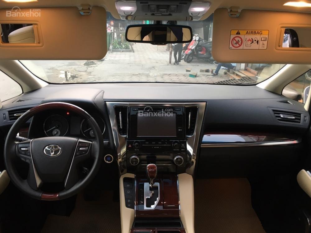 Cần bán xe Toyota Alphard sản xuất năm 2017, màu đen, xe nhập LH: 0982.84.2838 (16)