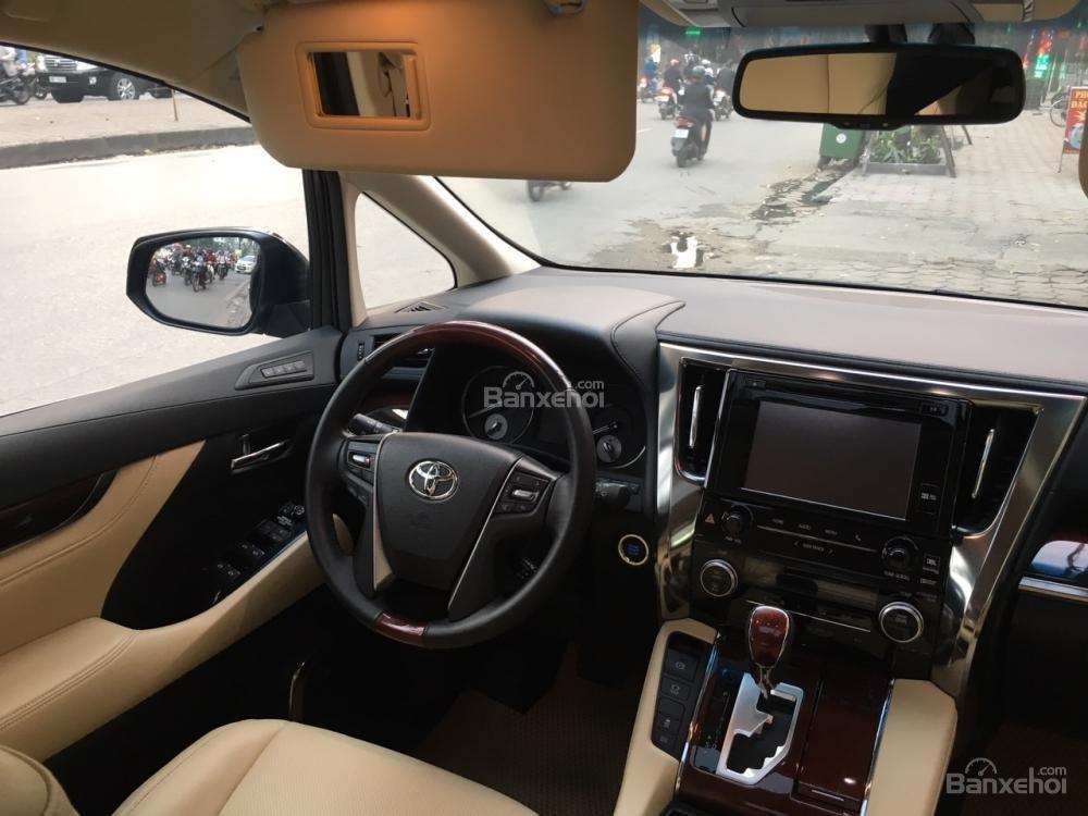 Cần bán xe Toyota Alphard sản xuất năm 2017, màu đen, xe nhập LH: 0982.84.2838 (19)