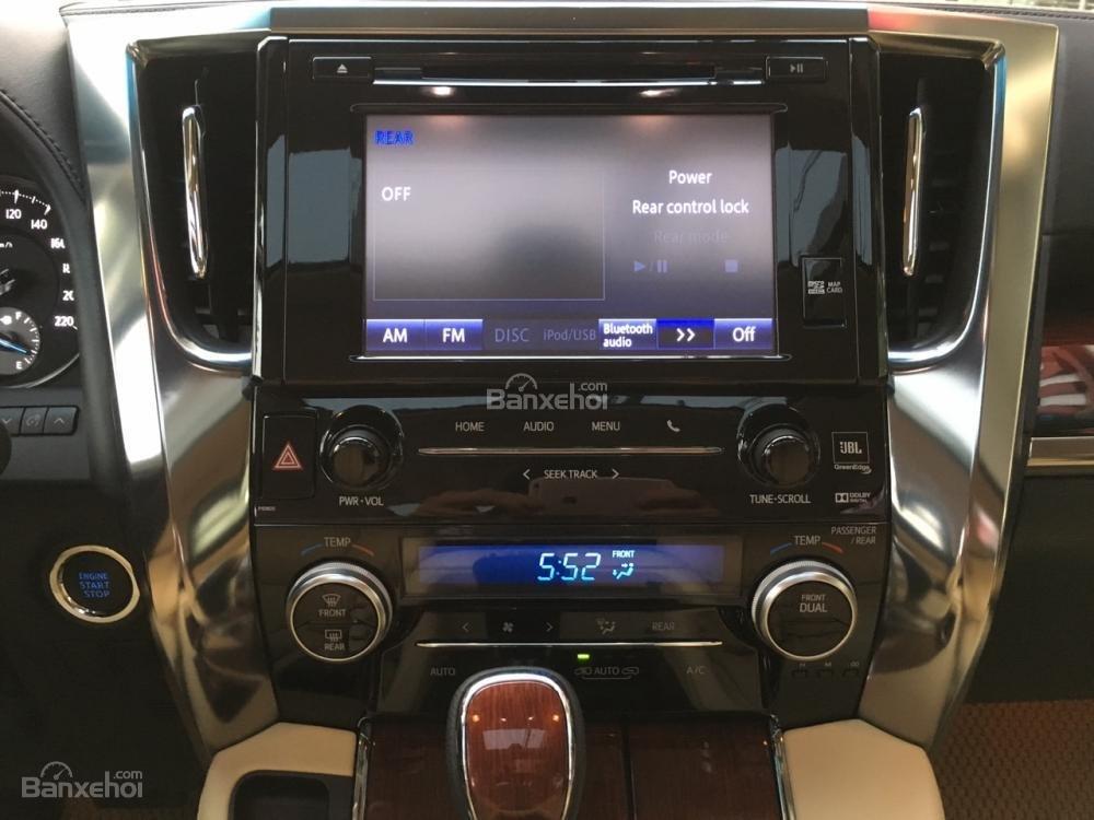 Cần bán xe Toyota Alphard sản xuất năm 2017, màu đen, xe nhập LH: 0982.84.2838 (21)