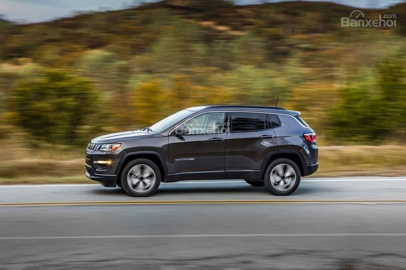 Đánh giá xe Jeep Compass 2018 về trang bị an toàn z