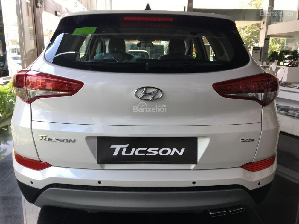 Bán Hyundai Tucson 1.6 Turbo màu trắng, chỉ với 200tr nhận xe-1