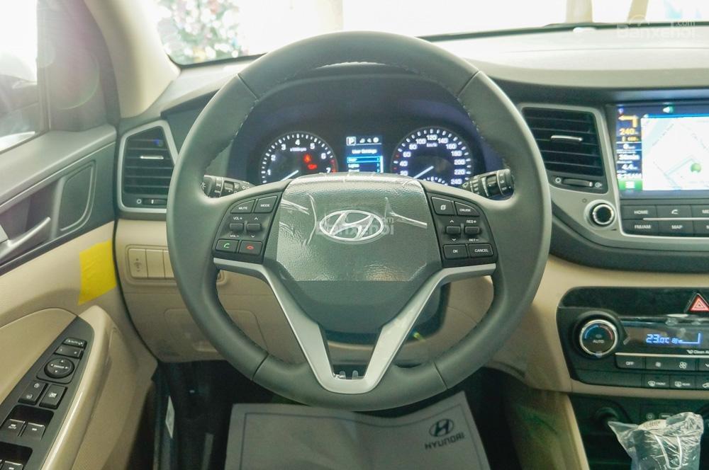 Bán Hyundai Tucson 1.6 Turbo màu trắng, chỉ với 200tr nhận xe-4