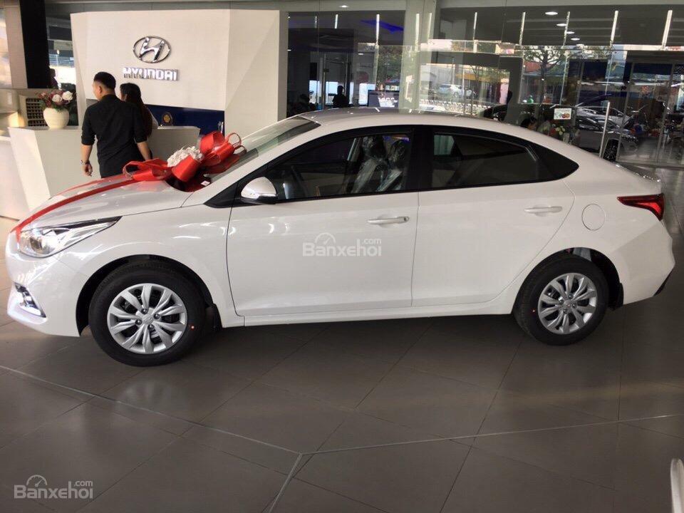 Hyundai Accent 2018, hỗ trợ trả góp lãi suất thấp, có xe sẵn giao ngay – LH 0774.702.378-3