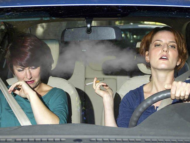 Tác hại của việc hút thuốc lá trên xe ô tô và mẹo đánh bay mùi hôi thuốc lá 4