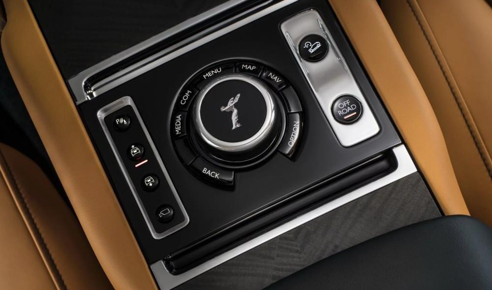 4 tính năng tạo nên đẳng cấp cho SUV siêu sang Rolls-Royce Cullinan 3