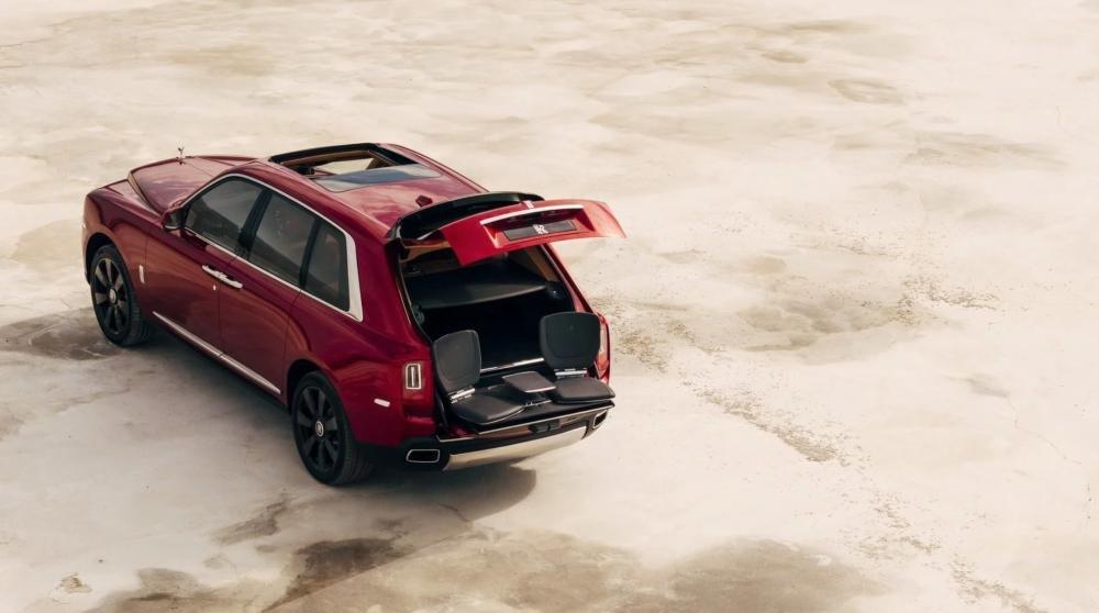 4 tính năng tạo nên đẳng cấp cho SUV siêu sang Rolls-Royce Cullinan 7