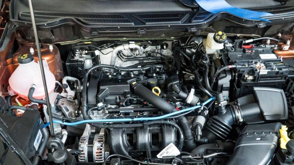 Suzuki Vitara hoàn toàn lép vế trước Ford Ecosport về khả năng vận hành 3
