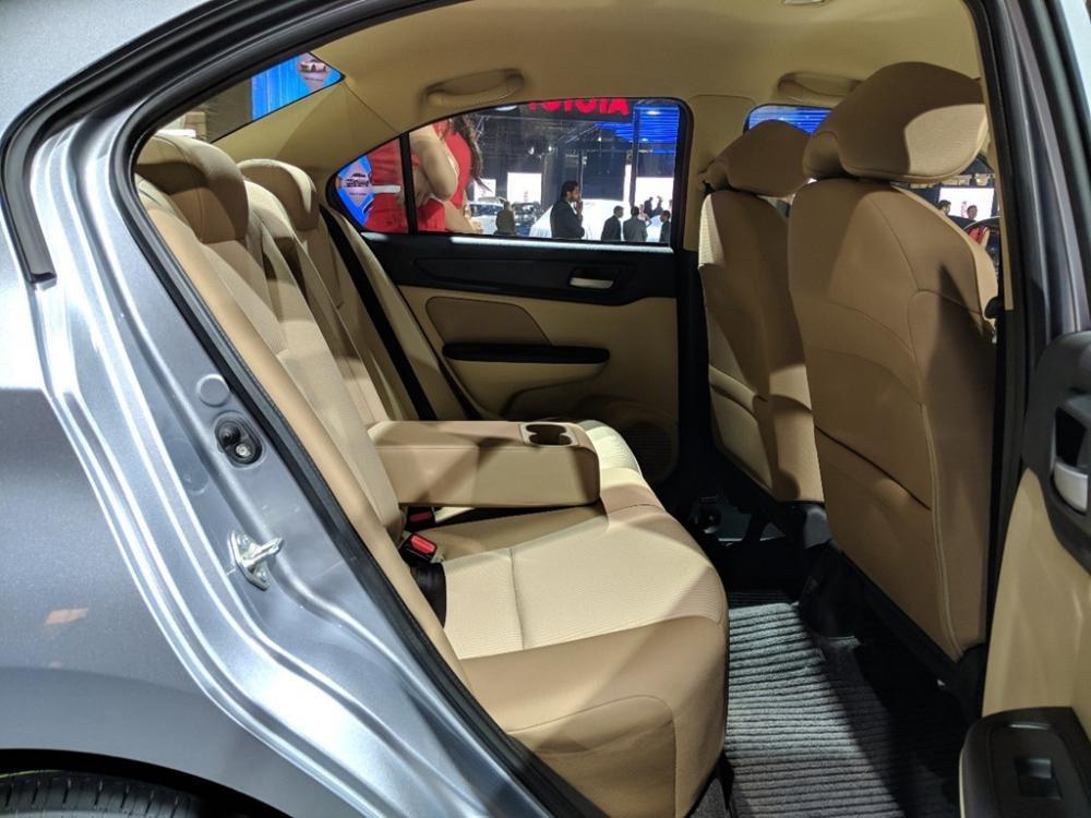 Đánh giá xe Honda Amaze 2018: Ghế ngồi rộng và chắc chắn z
