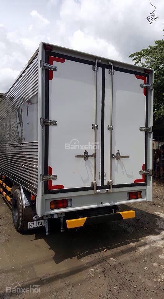 Bán xe tải Isuzu 1.9 tấn, thùng kín inox-1
