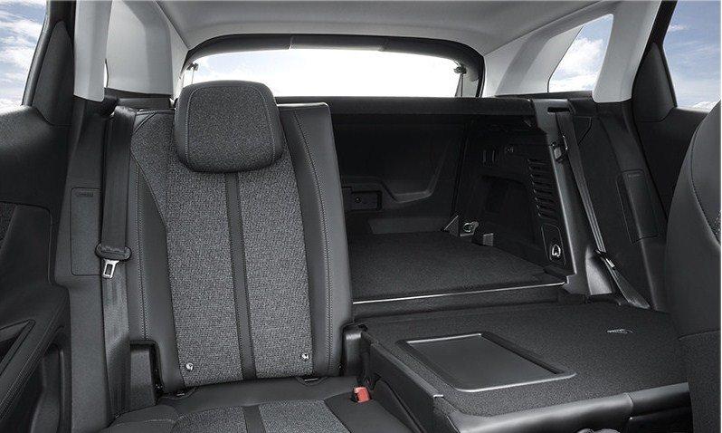 Đánh giá Peugeot 3008 All New 2018: Ghế ngồi bọc da màu đen cao cấp a1