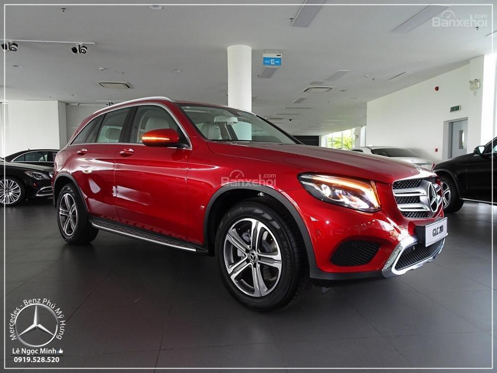 Bán Mercedes Benz GLC 200 2019 - SUV 5 chỗ - Hỗ trợ ngân hàng 80%, đưa trước 550 triệu nhận xe. LH: 0919 528 520-0