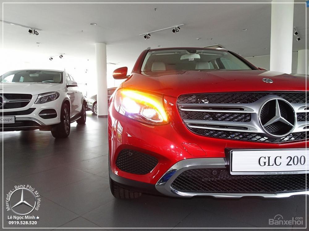 Bán Mercedes Benz GLC 200 2019 - SUV 5 chỗ - Hỗ trợ ngân hàng 80%, đưa trước 550 triệu nhận xe. LH: 0919 528 520-2