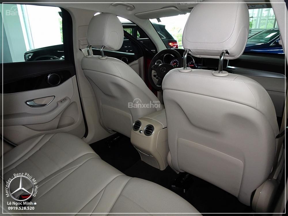Bán Mercedes Benz GLC 200 2019 - SUV 5 chỗ - Hỗ trợ ngân hàng 80%, đưa trước 550 triệu nhận xe. LH: 0919 528 520-3