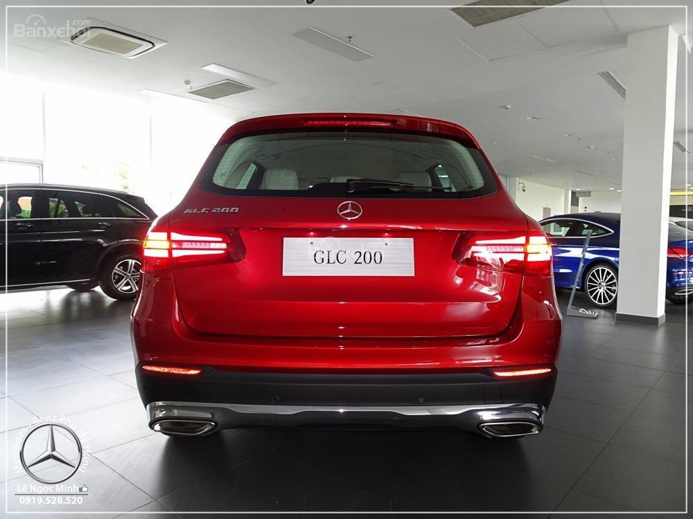 Bán Mercedes Benz GLC 200 2019 - SUV 5 chỗ - Hỗ trợ ngân hàng 80%, đưa trước 550 triệu nhận xe. LH: 0919 528 520-5