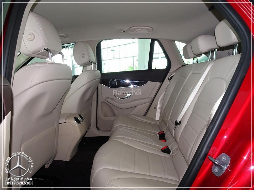 Bán Mercedes Benz GLC 200 2019 - SUV 5 chỗ - Hỗ trợ ngân hàng 80%, đưa trước 550 triệu nhận xe. LH: 0919 528 520-8