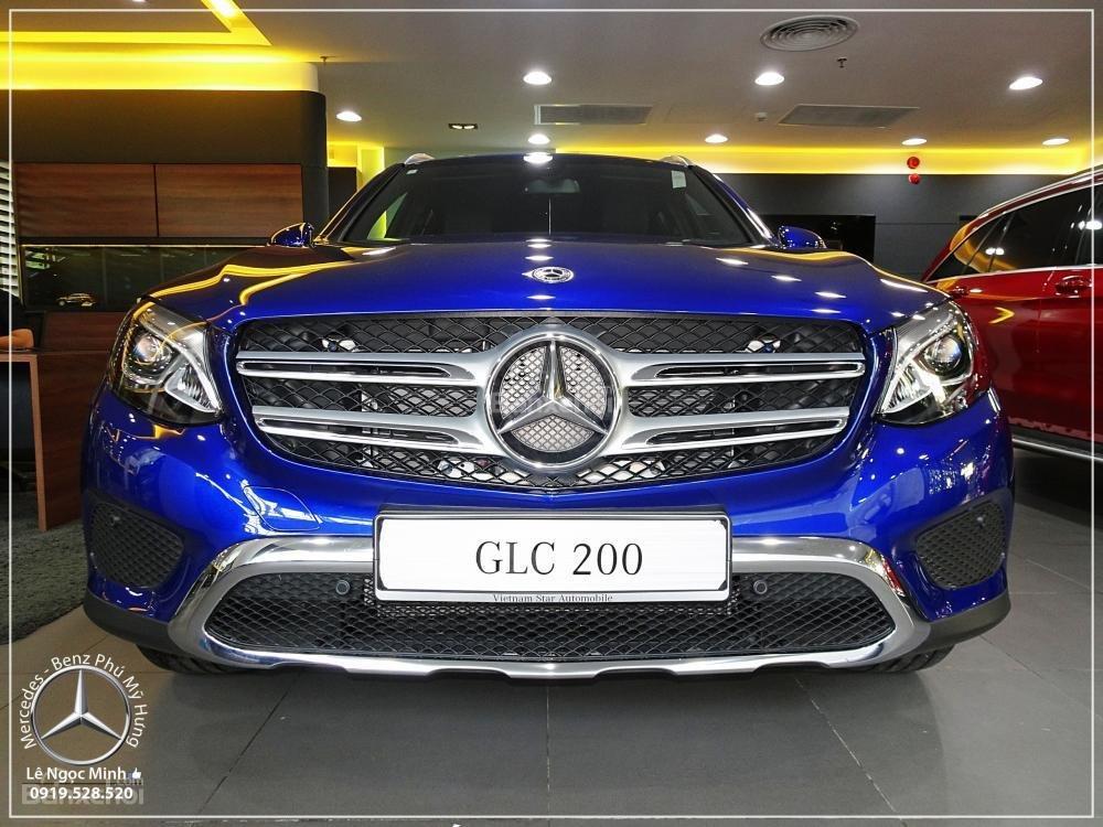 Bán Mercedes Benz GLC 200 2019 - SUV 5 chỗ - Hỗ trợ ngân hàng 80%, KM đặc biệt trong tháng - LH: 0919 528 520-6
