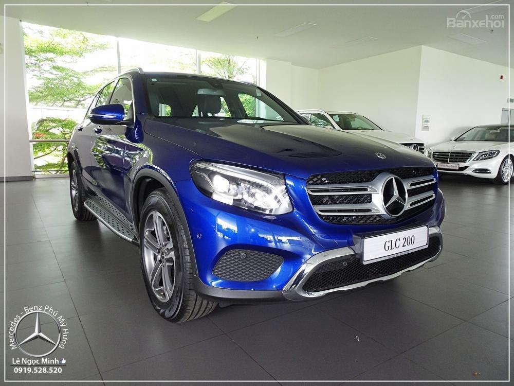 Bán Mercedes Benz GLC 200 2019 - SUV 5 chỗ - Hỗ trợ ngân hàng 80%, KM đặc biệt trong tháng - LH: 0919 528 520-23