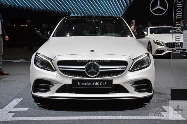Đánh giá xe Mercedes-Benz C-Class 2019 về lưới tản nhiệt,.