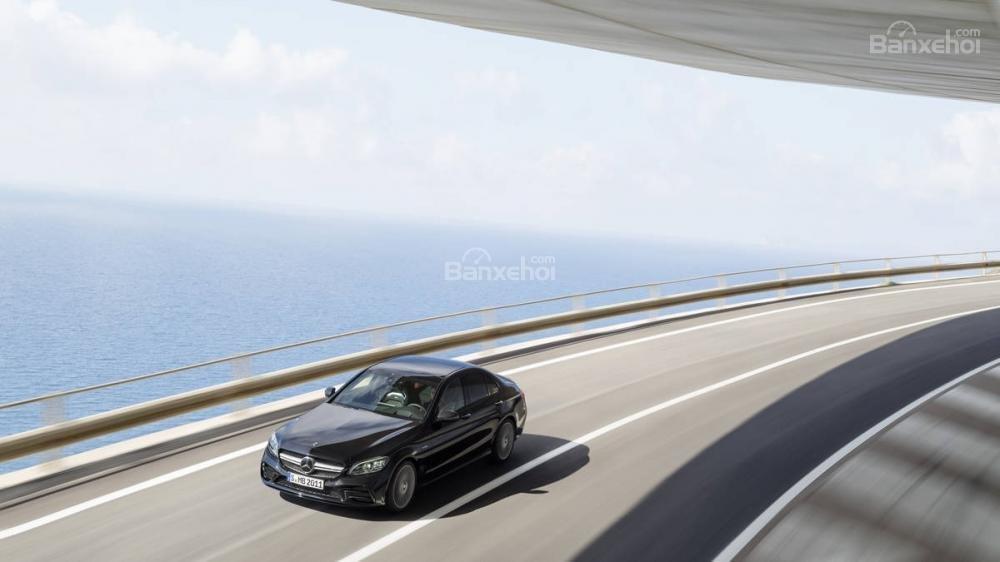 Mercedes-Benz C-Class 2019 - Sedan hạng sang cỡ nhỏ của công nghệ, tiện ích..