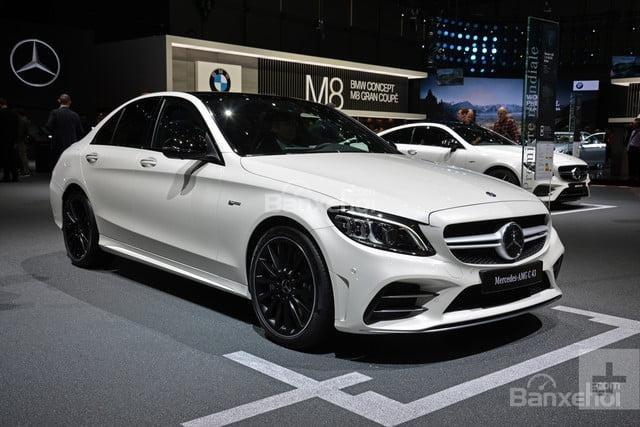 Đánh giá xe Mercedes-Benz C-Class 2019 về thiết kế đầu xe