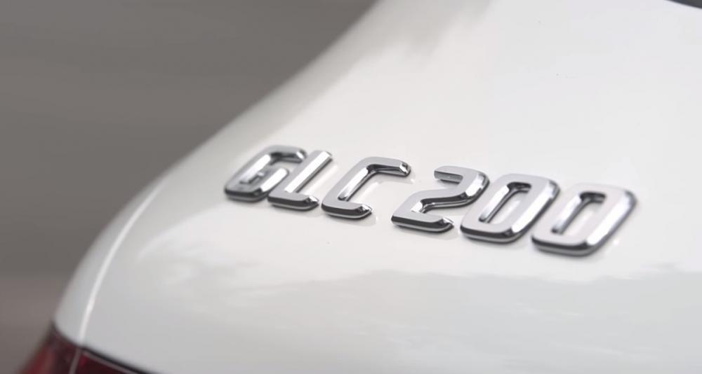 Ảnh chụp tên xe Mercedes-Benz GLC 200 2018