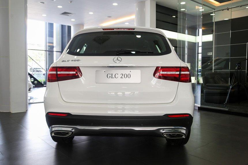 Ảnh chụp đuôi xe Mercedes-Benz GLC 200 2018