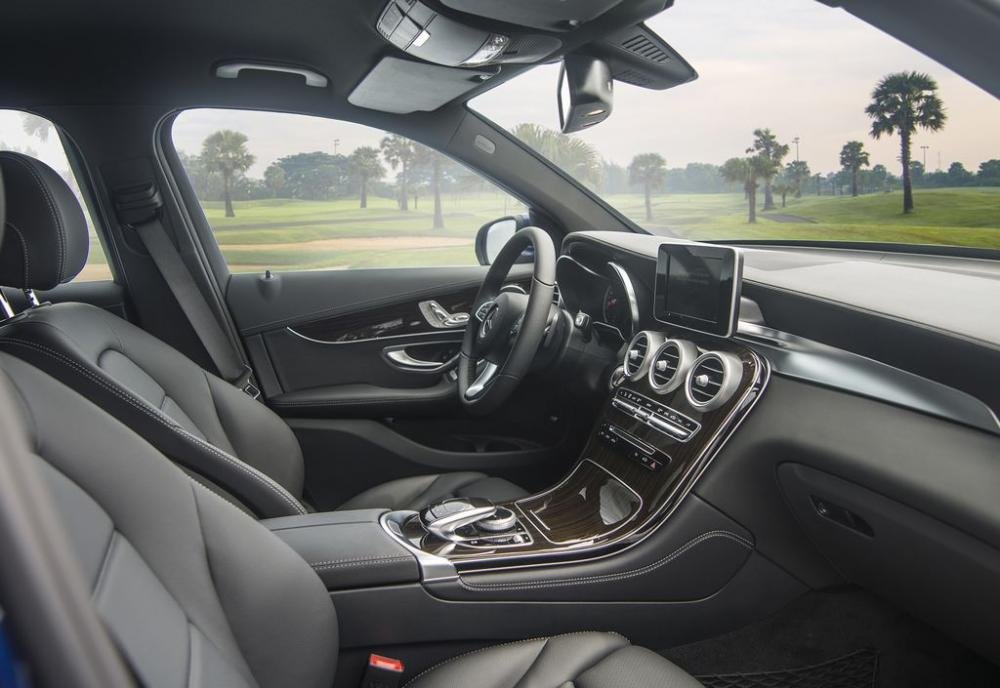 Ảnh chụp ghế xe Mercedes-Benz GLC 200 2018
