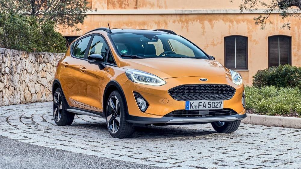 Đánh giá xe Ford Fiesta Active 2018: Chia sẻ động cơ với phiên bản thường.