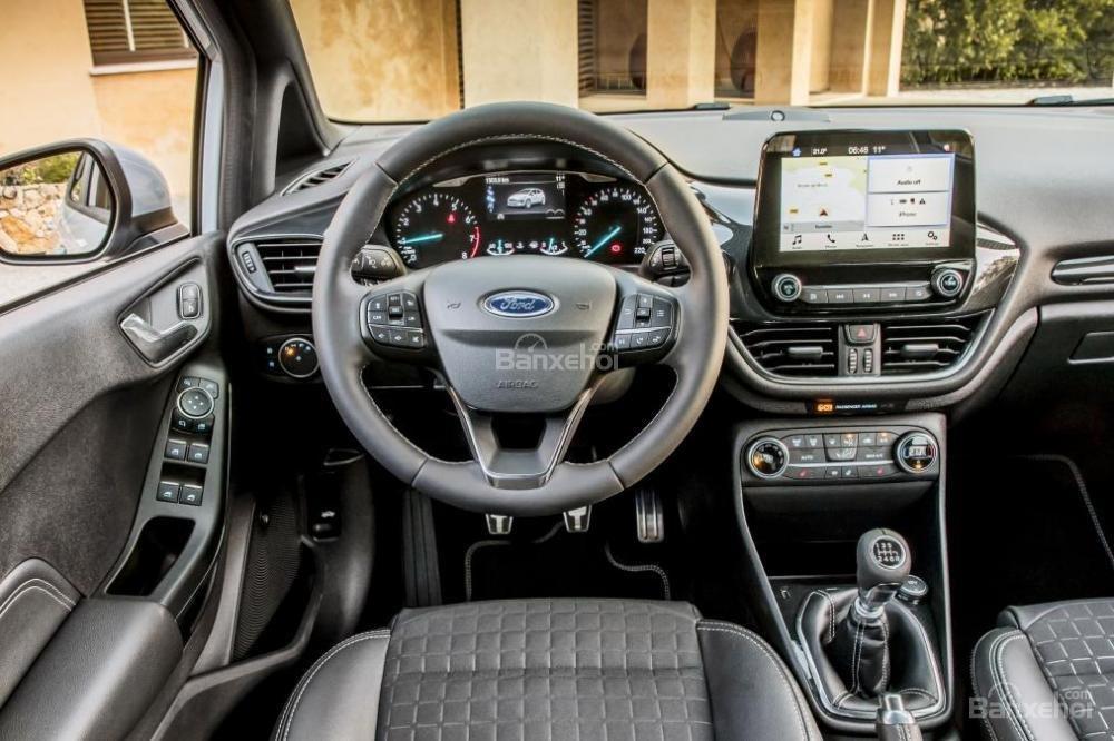 Đánh giá xe Ford Fiesta Active 2018: Được trang bị nhiều tính năng giải trí.