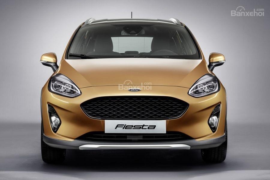 Đánh giá xe Ford Fiesta Active 2018: Đầu xe.