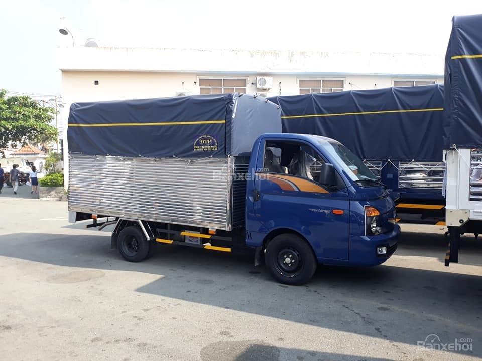 Cần bán Hyundai Porter 150 mui bạt, năm sản xuất 2020, màu xanh lam, xe nhập (1)