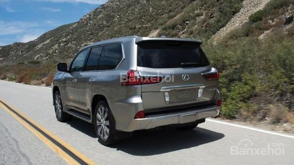 Ưu nhược điểm của mẫu Lexus LX570 2018 - Ảnh 1.