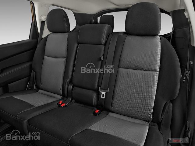 Đánh giá xe Nissan Pathfinder 2018: Hàng ghế thứ 2 rộng và dễ dàng ra vào z