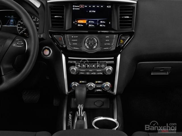 Đánh giá xe Nissan Pathfinder 2018: Nhiều trang bị tiện nghi hiện đại 3a