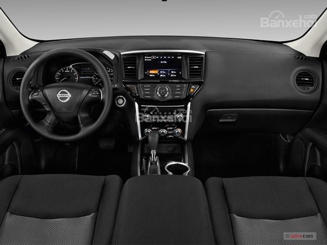Đánh giá xe Nissan Pathfinder 2018: Bảng táp-lô có chất liệu cao cấp z