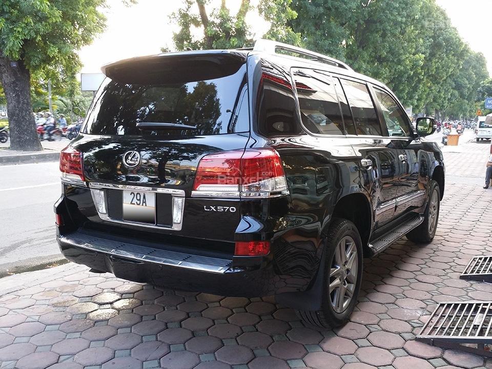 Cần bán xe Lexus LX 570 nhập Mỹ, model 2015, màu đen (3)