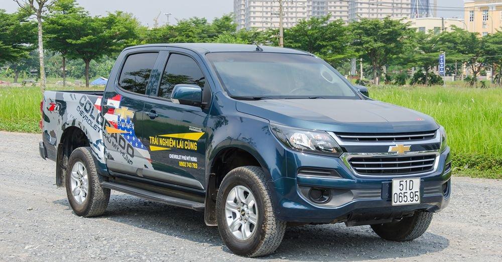 Chevrolet Colorado 2018 và Mitsubishi Triton 2018 - Xe cho người trẻ và người già.