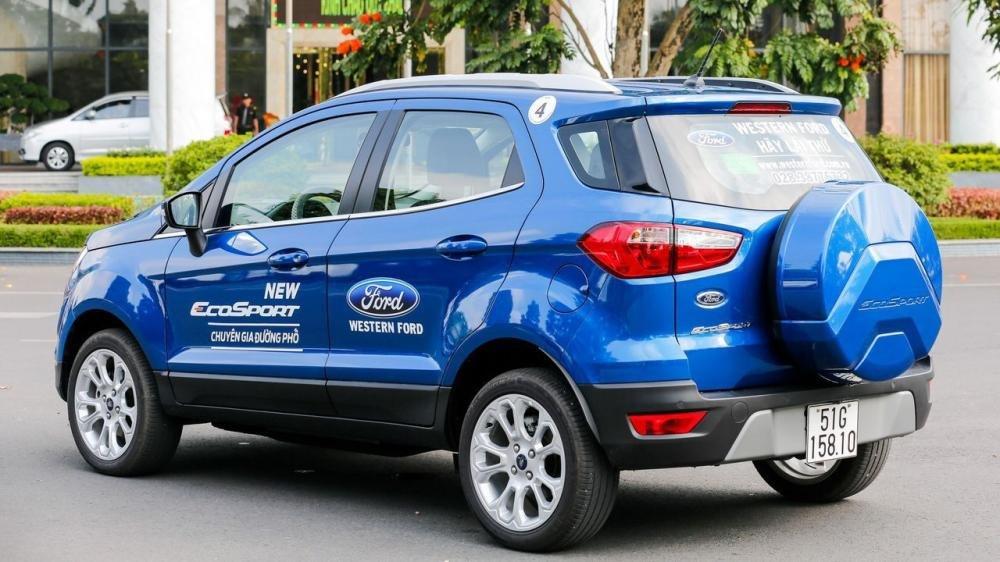 So sánh Toyota Yaris 2018 và Ford Ecosport 2018 về đuôi xe 2