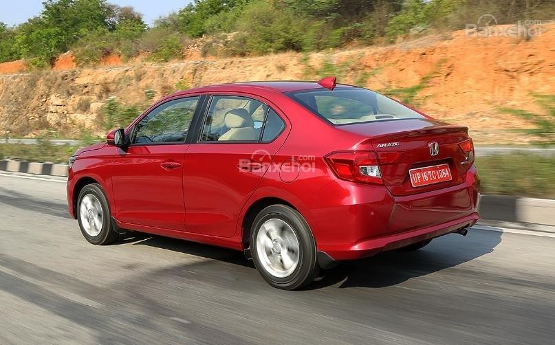 Đánh giá xe Honda Amaze về cảm giác lái 2a